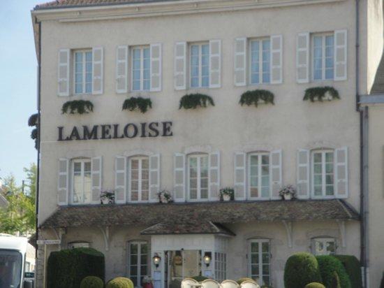 Hotel Lameloise: façade sobre