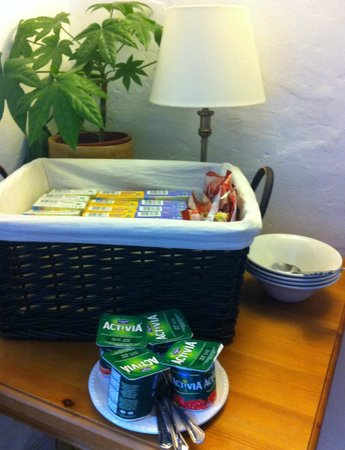 Hill Cottage Crowborough: Basket with selection of cereal and yogurt