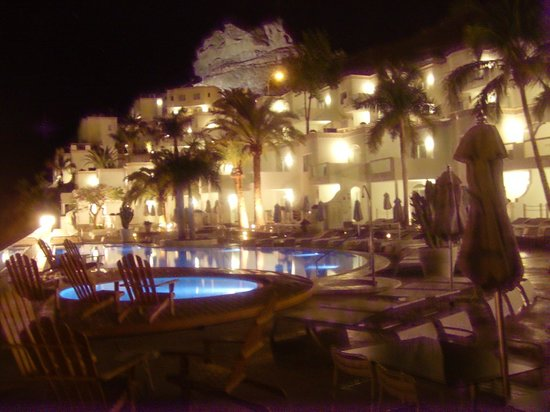 Marina Bayview: Pool At Night