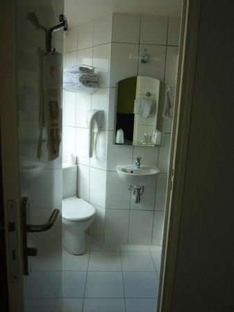 Hotel de Reims: bagno- vista centrale