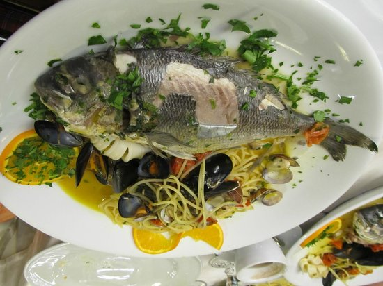 Antica Fontana di Trevi: Sea Bass with pasta for two people