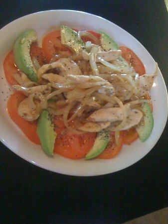 Feli's Cuban Kitchen: Avocado Tomato Salad