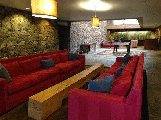 Fountaingrove Inn: The main lobby