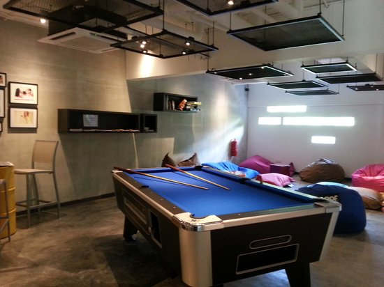Pleasing Pool Bean Bag Chair In The Lobby Picture Of Grid 9 Hotel Caraccident5 Cool Chair Designs And Ideas Caraccident5Info