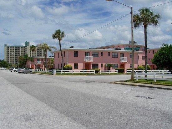 منتجع جالف ويندز بيتش: Gulf Winds Resort from St. Pete Beach