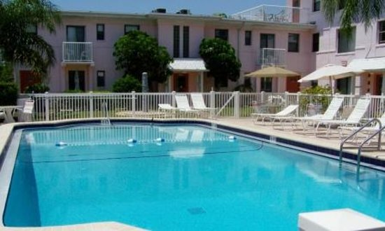 Gulf Winds Resort Condominium: Gulf Winds Resort pool