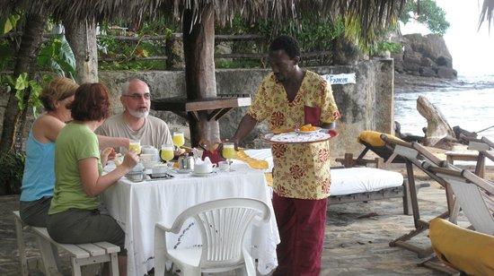 Hotel Gerard et Francine: Petit déjeuner