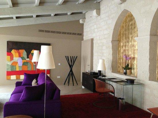 Mercer Hotel Barcelona: Our suite living room