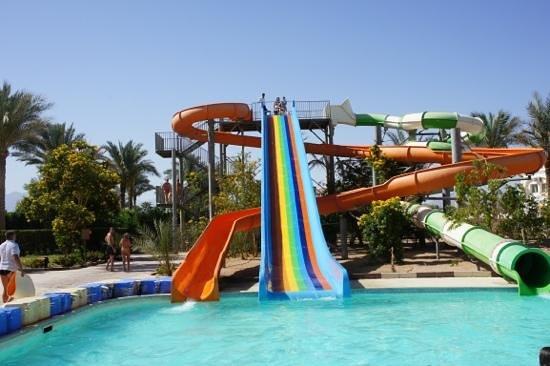 Continental Plaza Beach Resort: Добавить подпись