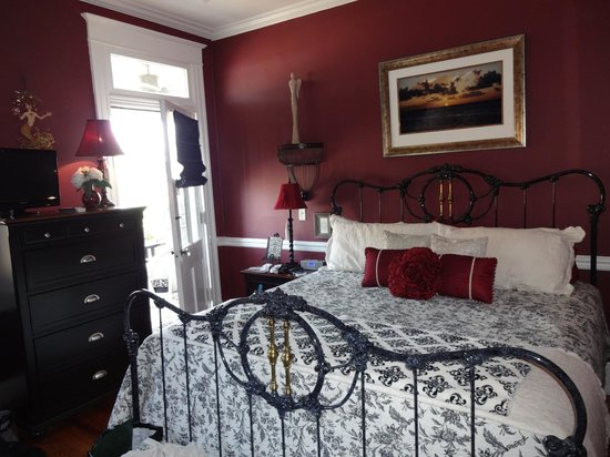 The One Bed and Breakfast : The Dream Suite