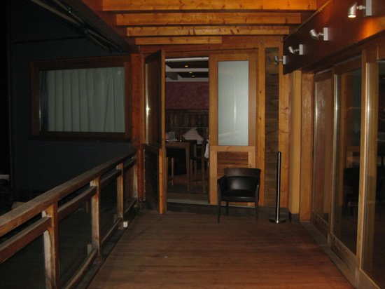 Clos des Sens: balcon bois