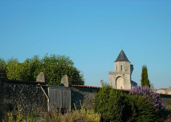 Les Jardins Saint Léonard : Un village autentique