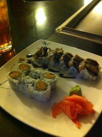 Akina: spicy crab roll and spicy yellow tail roll