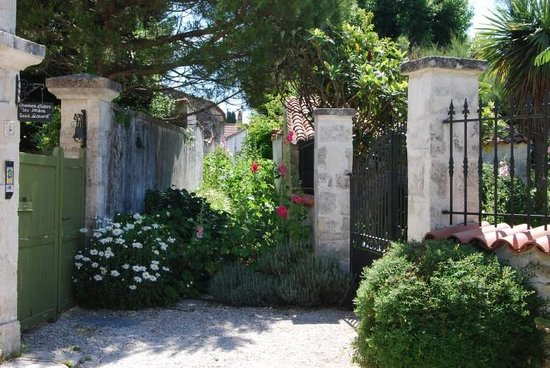 Les Jardins Saint Léonard : La ruelle des jardins