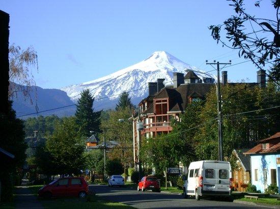 Hotel Patagonia Pucon : Viste del Volcan Villarica,a la vuelta del hotel