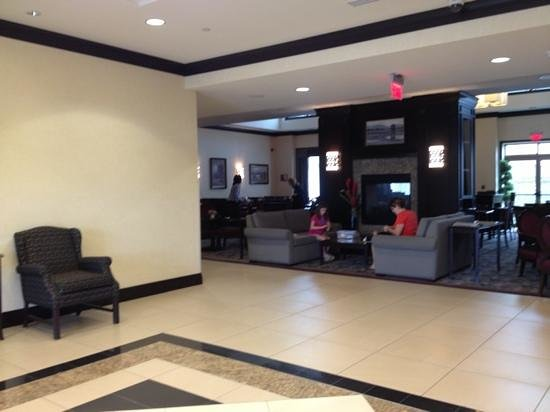 Homewood Suites by Hilton Toronto Airport Corporate Centre : lobby area