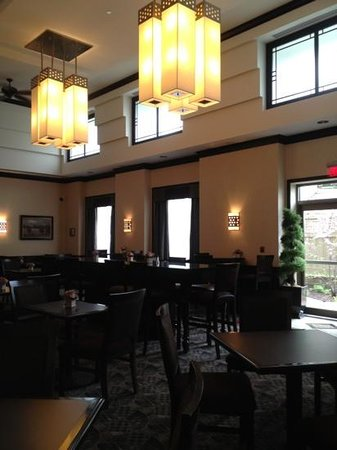 Homewood Suites by Hilton Toronto Airport Corporate Centre: breakfast area
