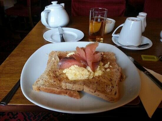 The Rising Sun: scrambled egg with smoked salmon