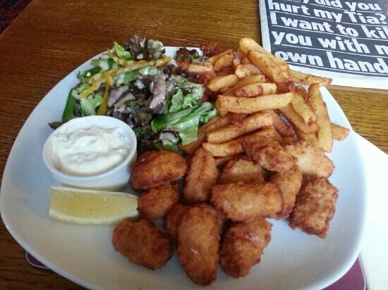 The Rising Sun: good old scampi and chips