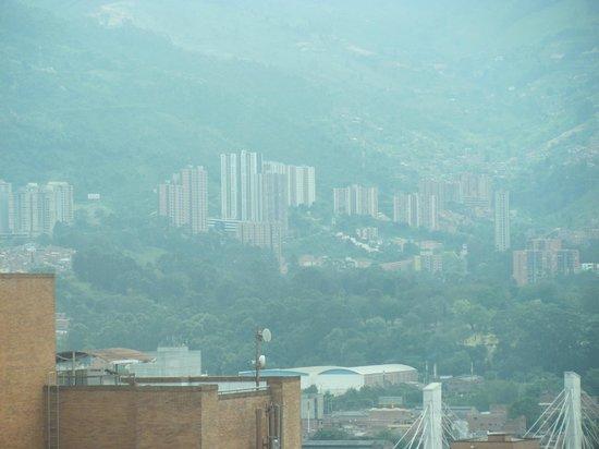 Hotel San Fernando Plaza Medellin: espectacular vista desde la habitación (piso 12)