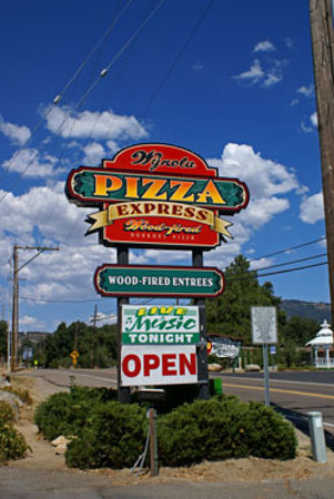 Wynola Pizza Wood Fired & Bistro: Easy to Find!