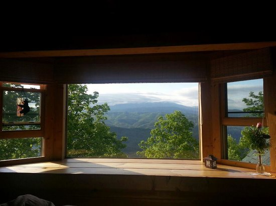 Chilhowee Mountain Retreat: Amazing View from Bear Room