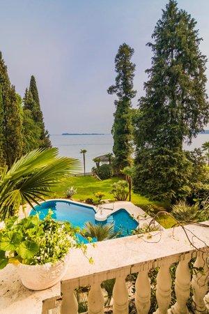 Villa Vittoria B&B: vista dal balcone della camera bianca
