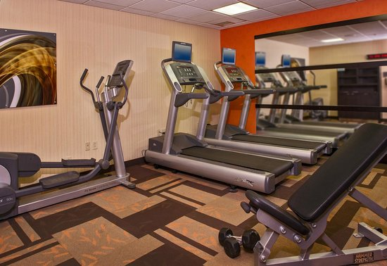 Courtyard Richmond West : Fitness Center