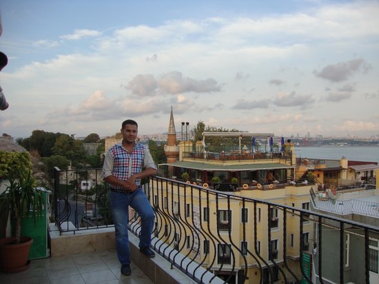 Star Hotel Istanbul: On the roof of the hotel By the owner's hands