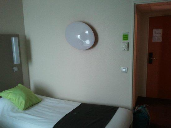 Campanile Marne la Vallee: chambre