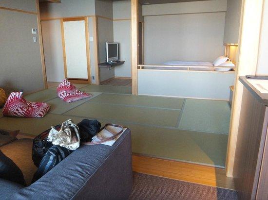 Yumesenkei Besso Amahara: 和洋室