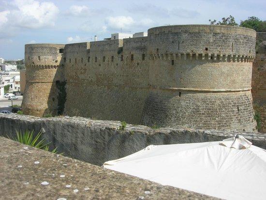 Balconcino d'Oriente B&B: Die Stadtmauer von der Terrasse aus