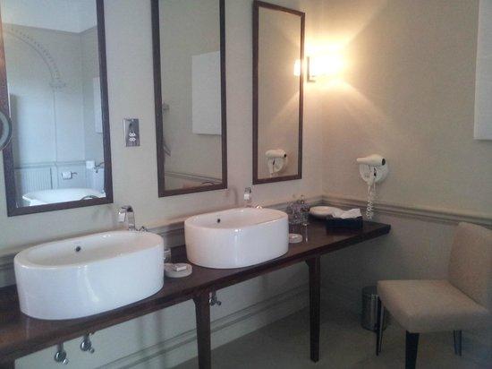 Queensberry Hotel: His & Her sinks
