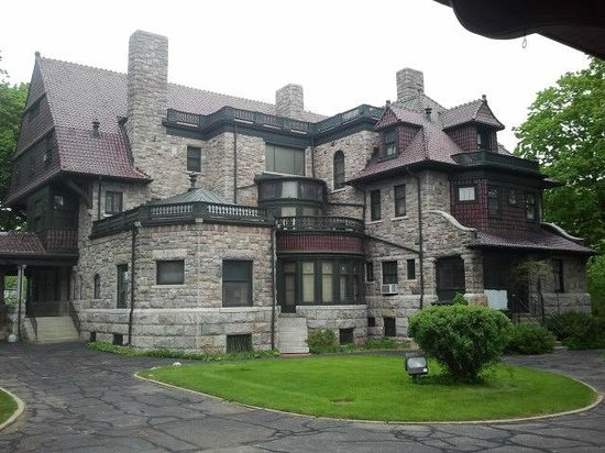 The History Museum: The Oliver mansion