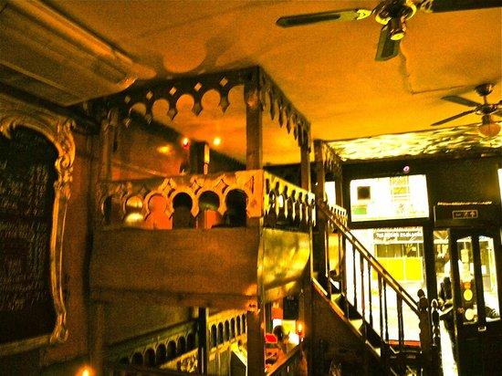 Little Bay: loft dining
