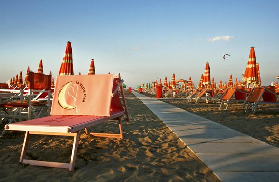 Hotel Adelphi: spiaggia  rimini
