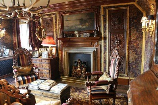 Prestonfield: The Owner's Suite livingroom