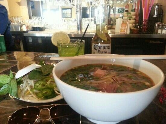 Thanh Thanh 3: spicy beef soup / pho