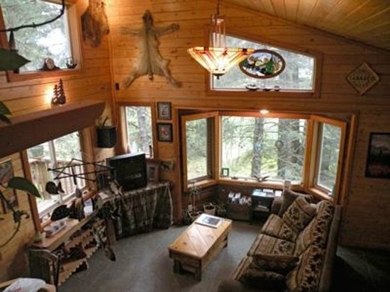Beach House Rentals: Treefort House