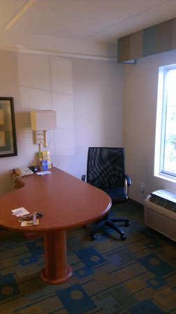 La Quinta Inn & Suites Panama City: Desk