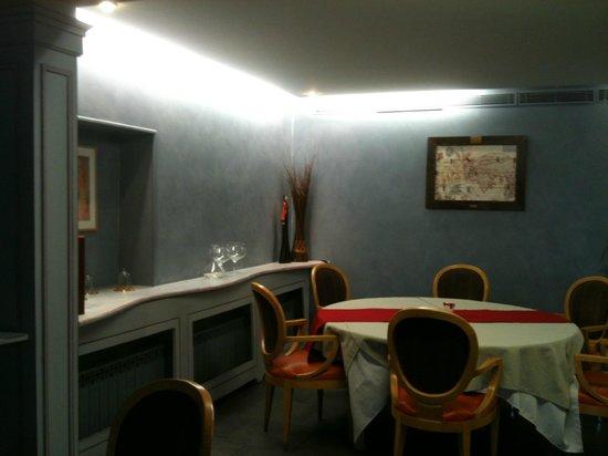 Auberge de Chavannes : Une salle du restaurant