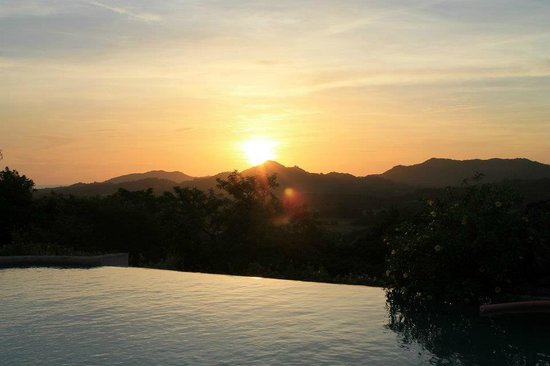 Panacea de la Montana Yoga Retreat & Spa: Beautiful sunset