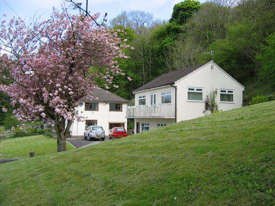 Cliffside House Accommodation: getlstd_property_photo