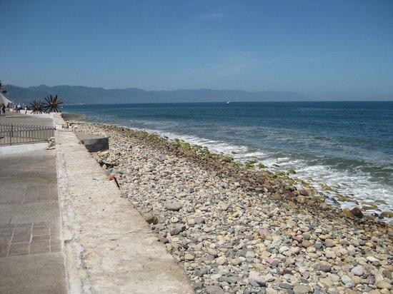 Puerto Vallarta's El Malecon Boardwalk: The beach view from Malecon