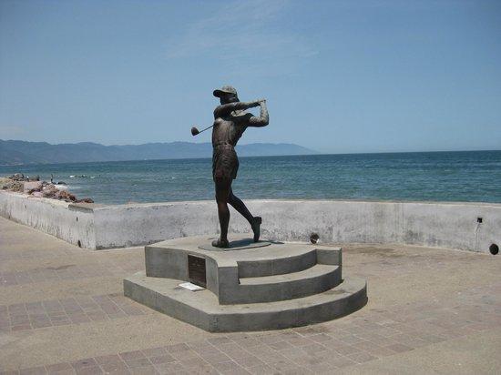 Puerto Vallarta's El Malecon Boardwalk: Statue of LPGA champ Lorena Ochoa Reyes who is from Puerto Vallarta