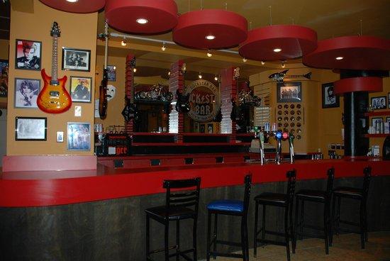 The Algonquin Hotel: Rock Star Bar