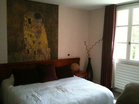 Domaine du Val de Sorne : Agréable chambre spatieuse et confortable