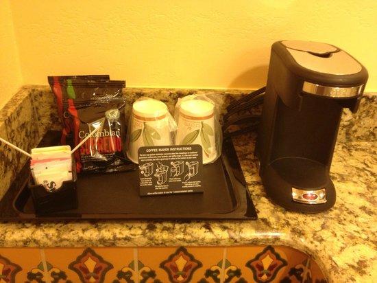 Ayres Hotel Redlands: Coffee supplies