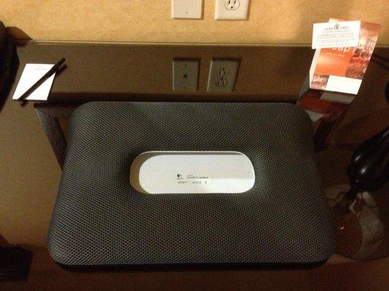 Ayres Hotel Redlands: Portable laptop desk