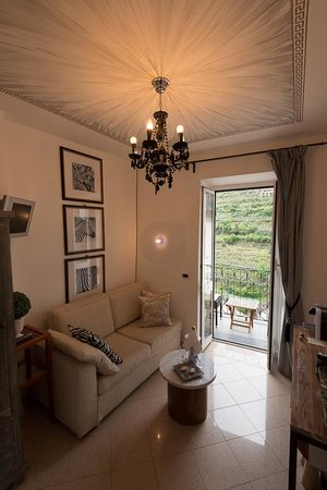 La Torretta: Petit salon de la suite